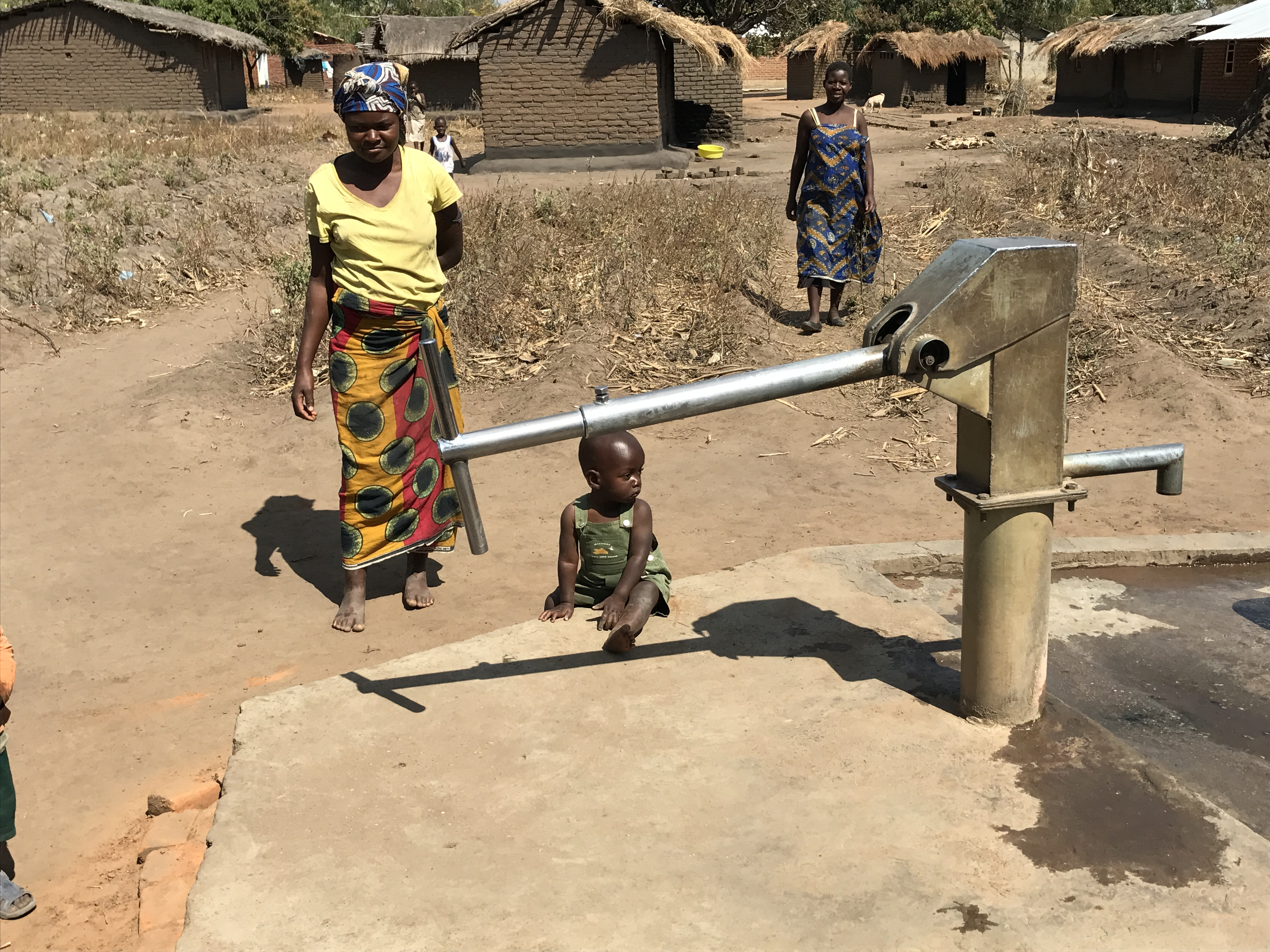 Women Child Pump Africa